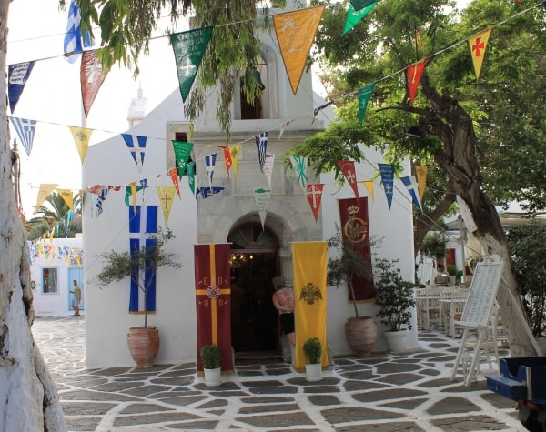 mykonos-town-sightseeing-catholic-church-124534