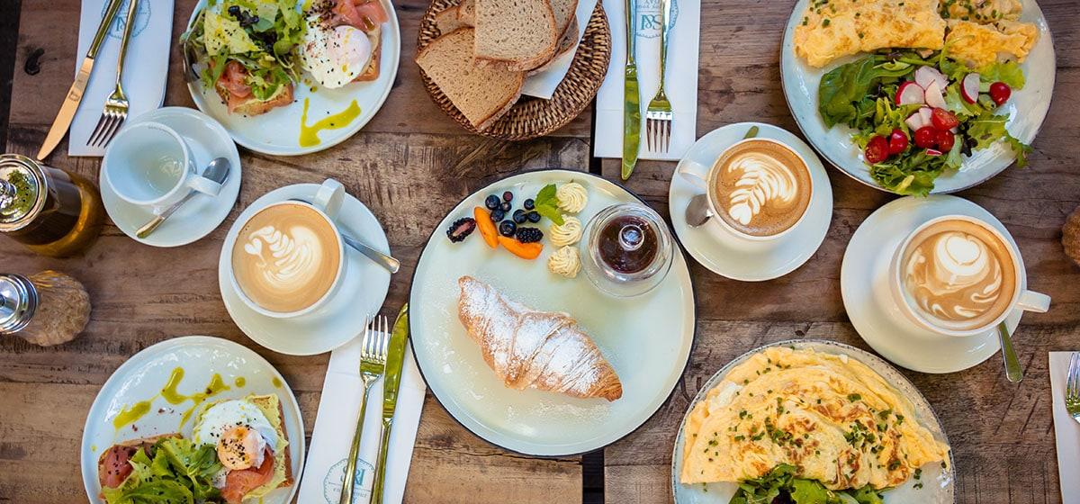 mykonos bnbs breakfast