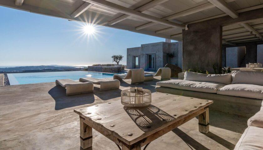 3 Incredibly Spellbinding Mykonos Villas – Luxury & Finesse Meet Traditional Cycladic Architecture