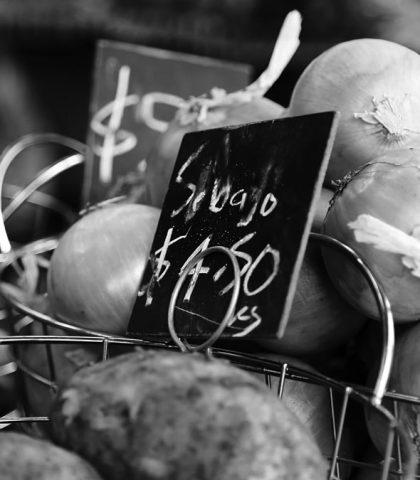 Navigate an Italian Farmers' Market Like a Local – (Tips & Useful Phrases 2021)