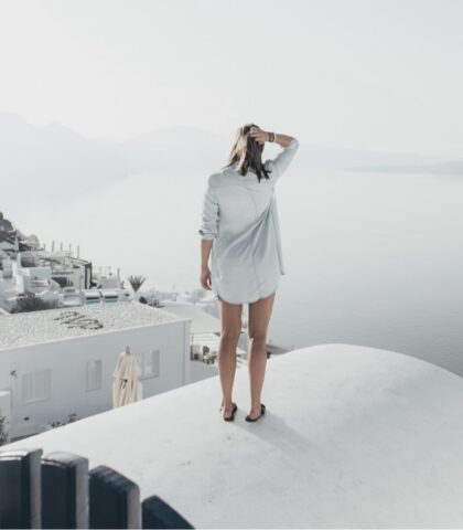 Mykonos or Santorini – Choosing Between Two Cycladic Crown Jewels